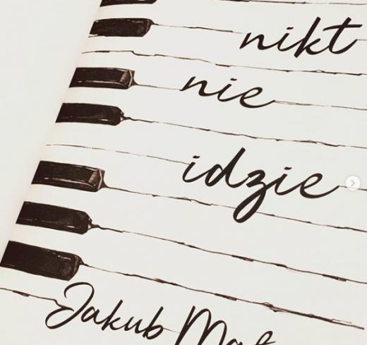 Jakub Małecki - Nikt nie idzie