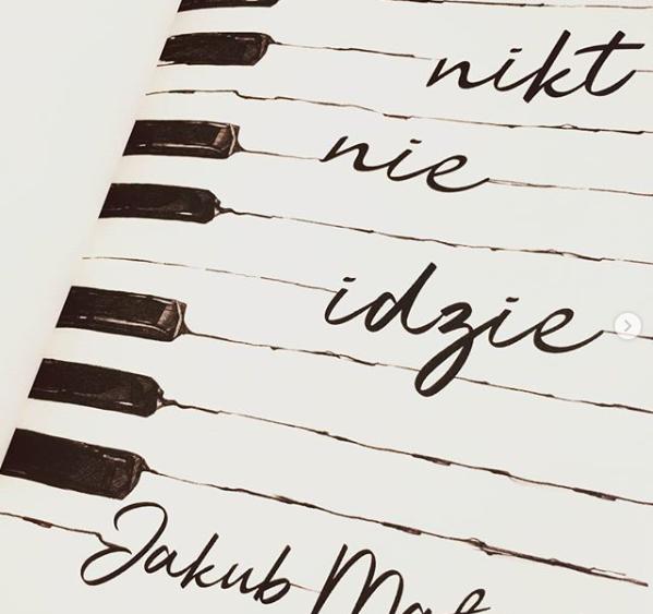 """""""Nikt nieidzie"""" nowa książka Jakuba Małeckiego"""