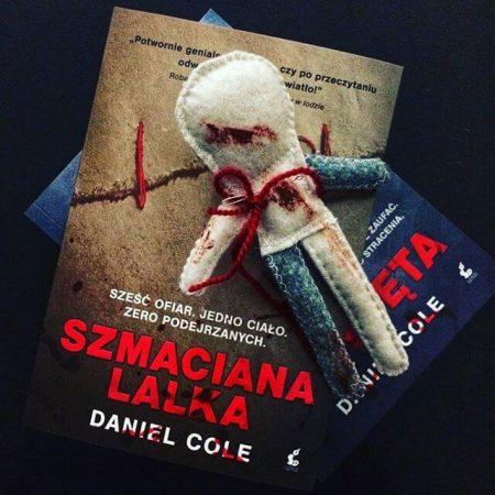 """Szmaciana lalka"" Daniel Cole"